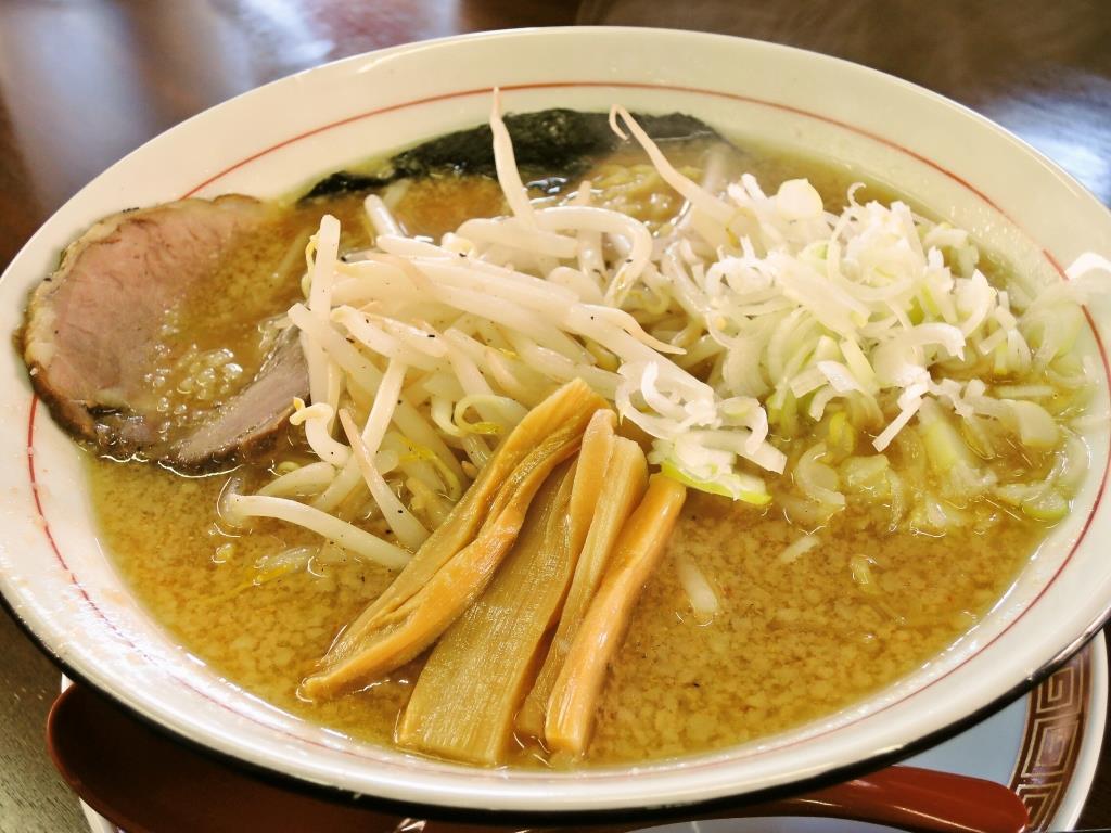 コク味噌ラーメン+日替りランチセット(とろろ飯とぎょうざ3個)