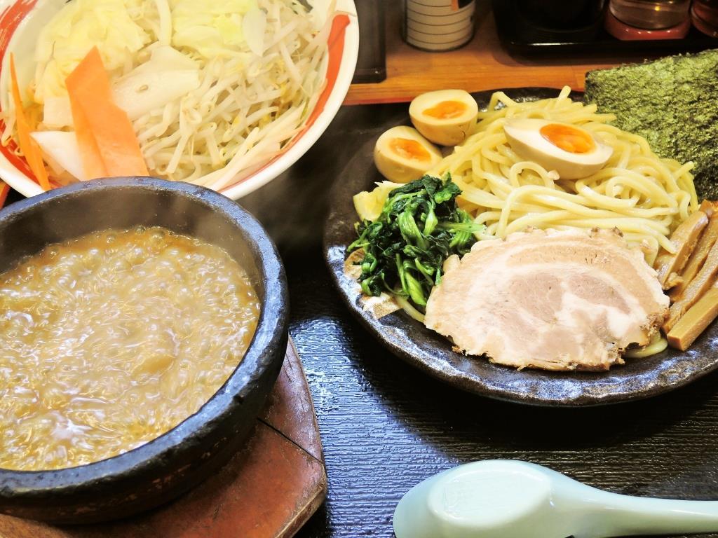 濃厚豚骨伊勢海老つけ麺 どっさり野菜